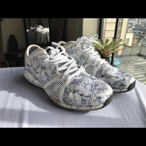 Adidas zapatos zapatillas de deporte poshmark color de marmol